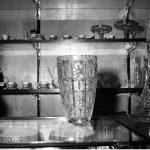 Kryształowy wazon naladzie sklepowej 1968 (NAC)